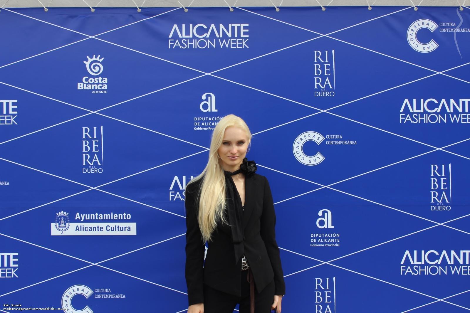 Primer Casting de Modelos Alicante Fashion Week 2017 en CC Habaneras entre el Jurado Oksana Peresadko (Alex Soviet's)